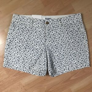 Old Navy White/Blue/Green Flowered Shorts